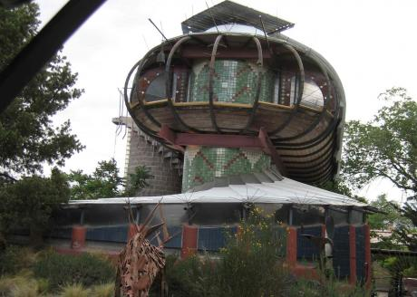 nob-hill-spaceship-house-lr