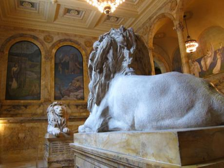 library-lions-facing-wide